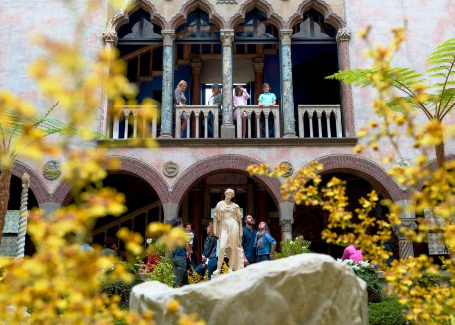 Displayed is the courtyard of the Isabella Stewart Gardner Museum. (Source: Liza Voll)